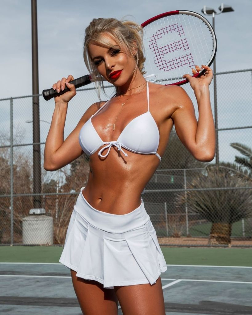 Savannah Lynx Tennis Anybody?