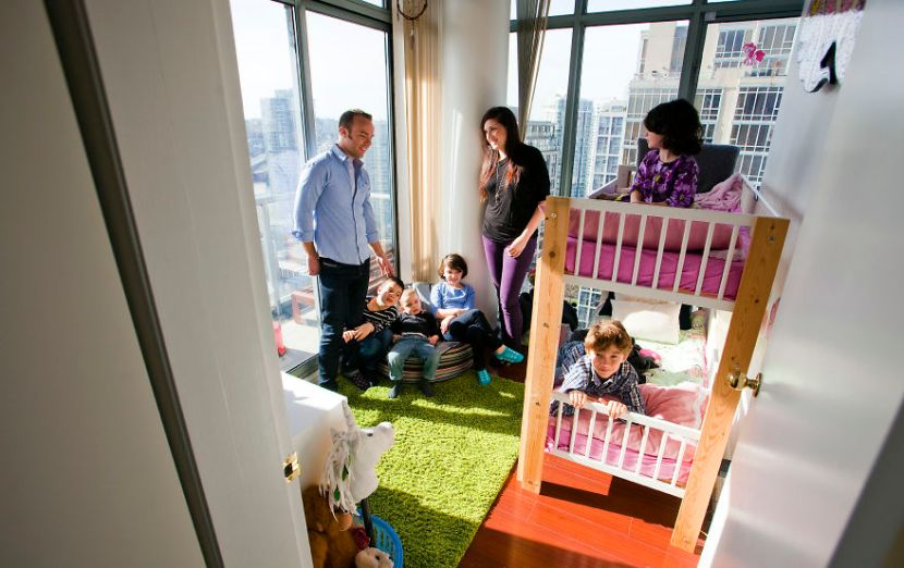 my-family-of-7-lives-in-a-1000-square-foot-downtown-condo-4__880