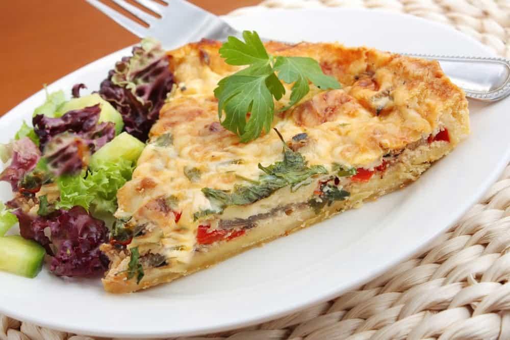 Delicious Easy Keto Quiche Lorraine - Quick and Easy Recipe!