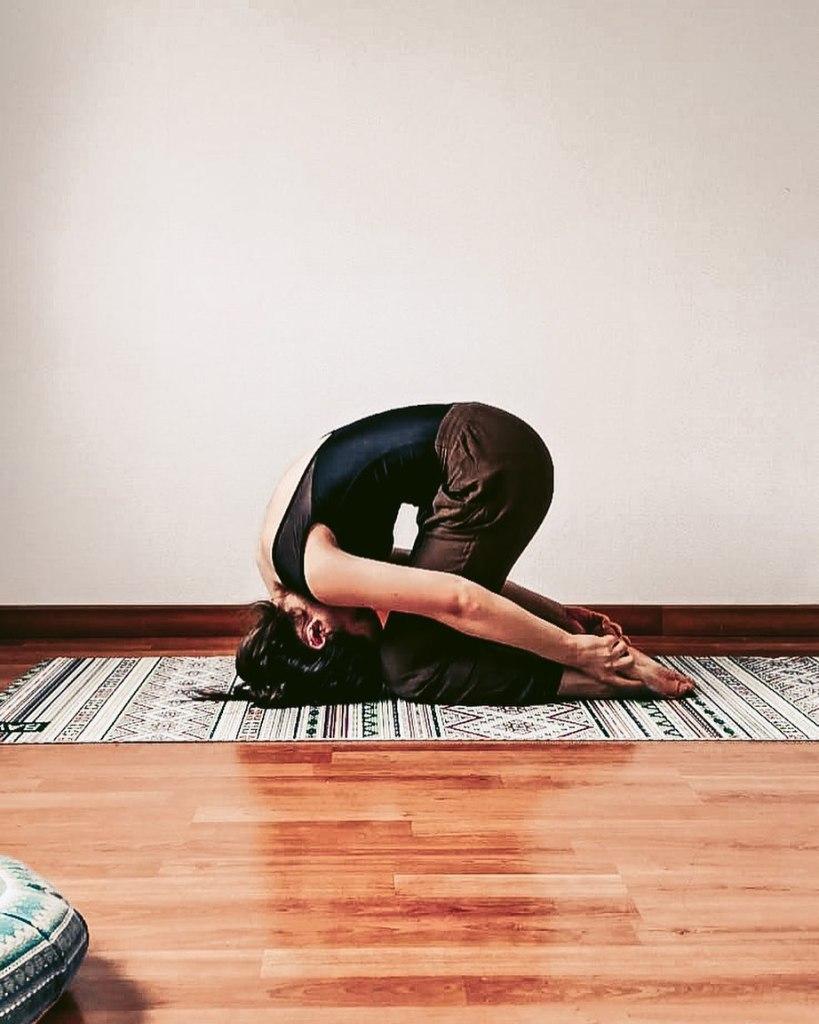 Shashankasana (Rabbit pose) yoga by Nayogane - Fitzabout