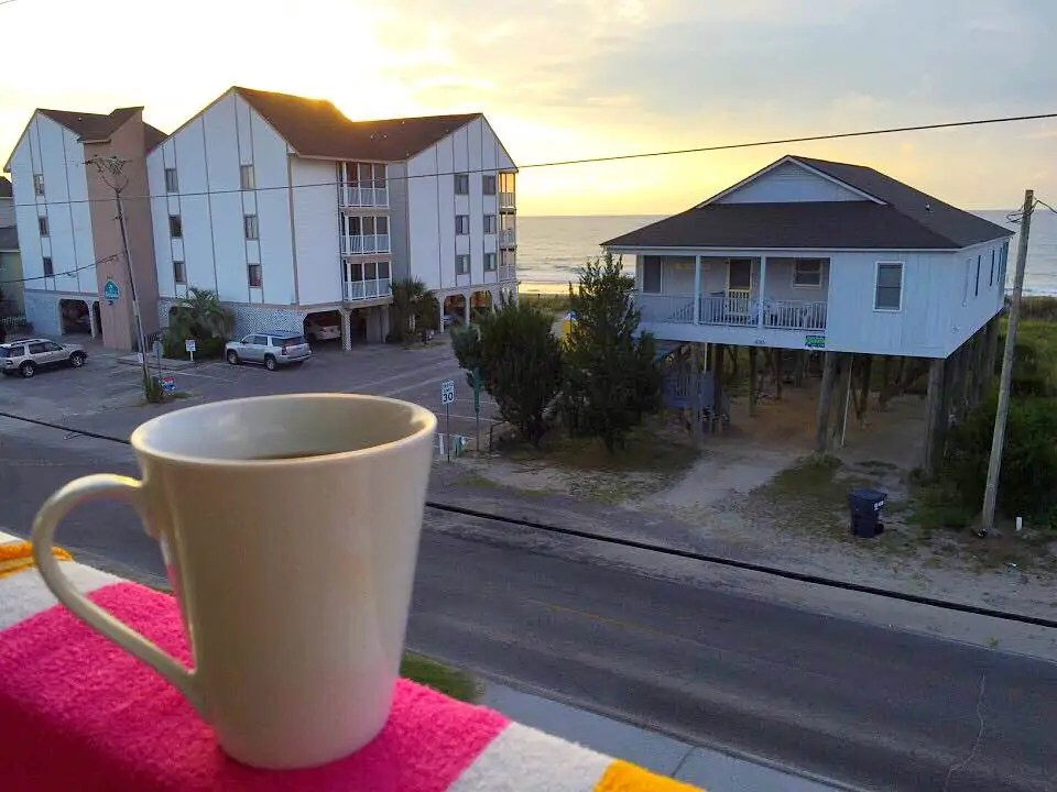 5 Ways to Afford a Beach House Vacation