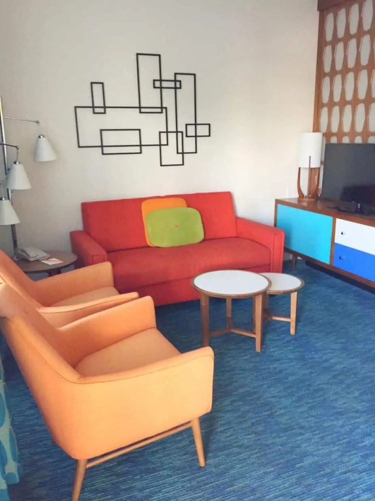 sitting area family suites cabana bay