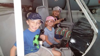 Check out these helo pilots