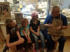 We had a great talk with one of the people cleaning dinosaur fossils