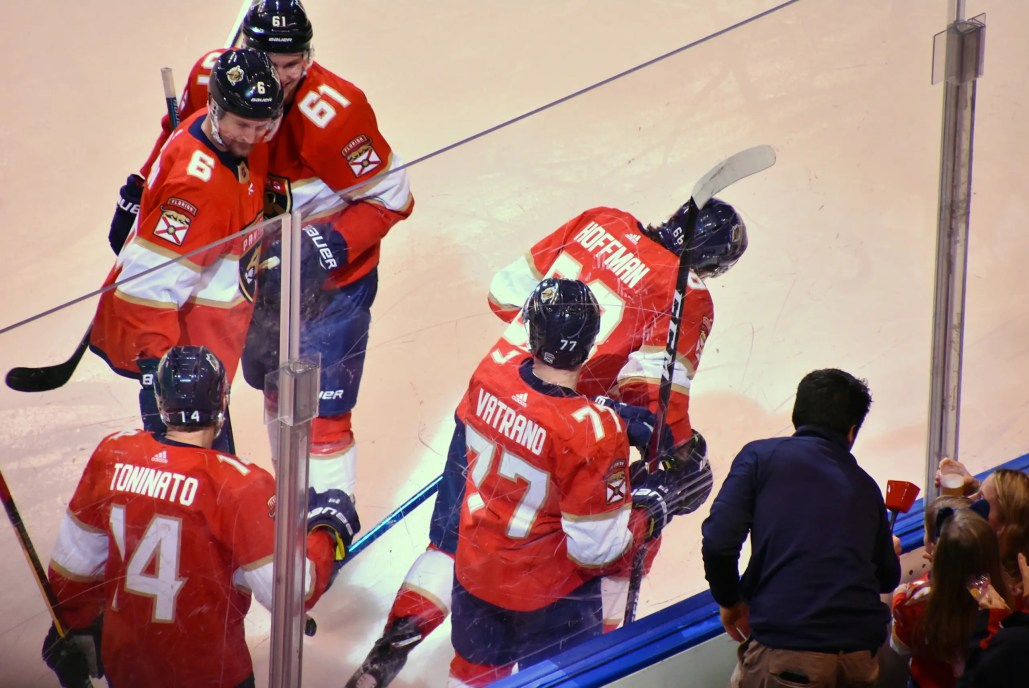 Panthers Get Two Late Goals, Top Wild 5-4
