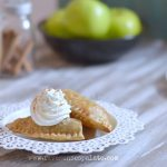 empanada de manzana - apple hand pie recipe | five senses palate