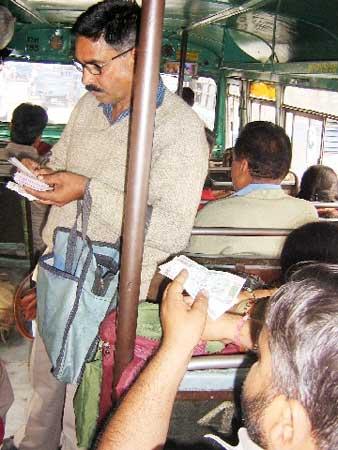bus-conductor-757678