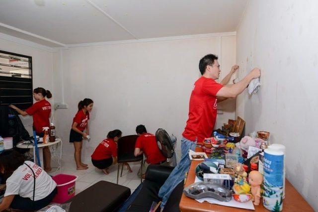 Desmond choo - volunteering in Singapore
