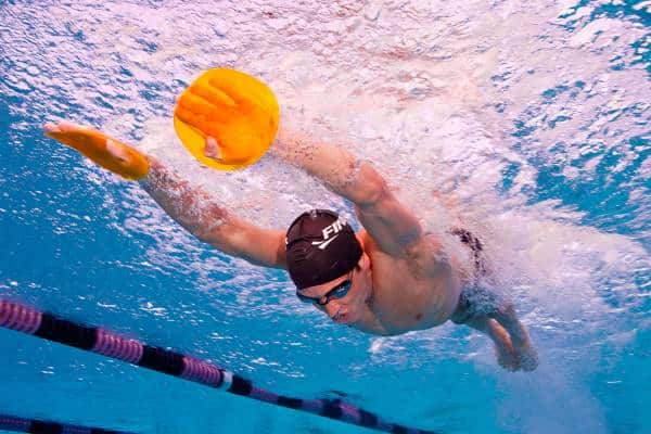 Hand paddles swimming