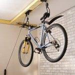 Support vélo via poulies