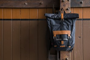 Levi commuter bag