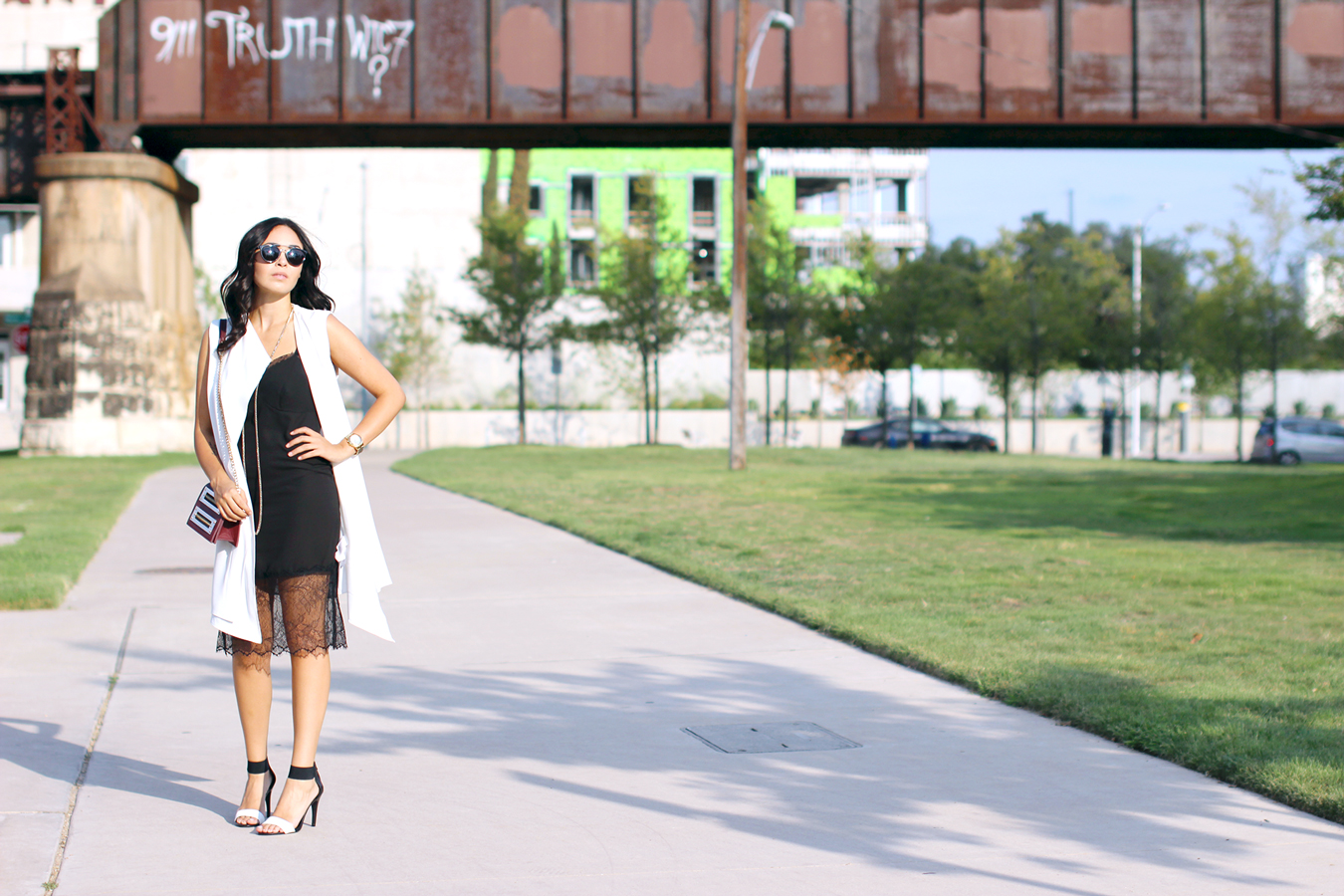 FIXIN-TO-THRILL-SLIP-DRESS-LONGLINE-VEST-BLACK-WHITE-FALL-ATX-AUSTIN-STYLE-BLOG-SHIRTS-COLORS-TRENDS-FW15-TRENDY-CHIC-GLAM-FASHION-TEXAS-5