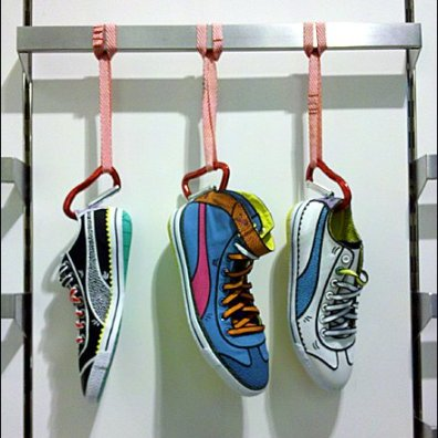 Carabiner_lipped_Shoes