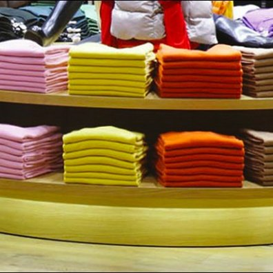 Merchandising by Color VMSD-Uniqlo Closeup