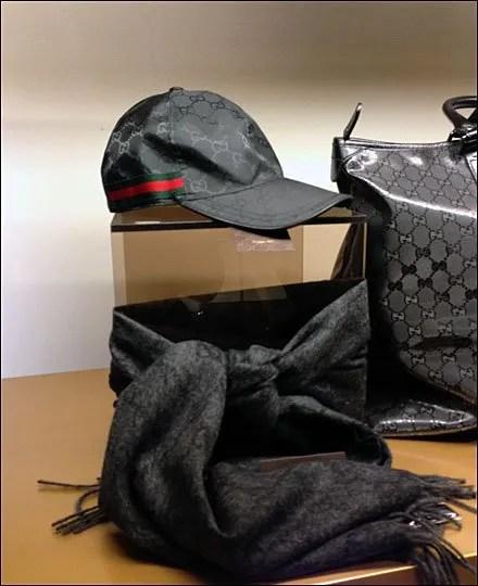 Gucci Men Scarf Knot Aux