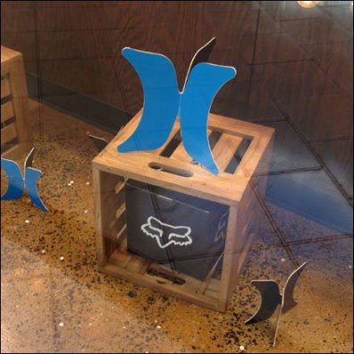 3D Die Cut Reproduces in Blue