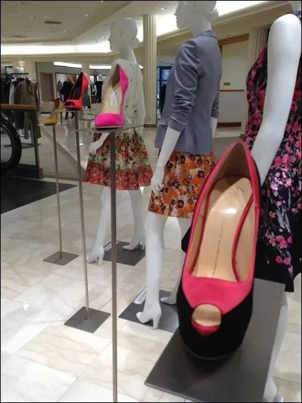 Long-Stem Shoe Pedestal