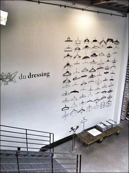 Hangers Franaise du Dressing Display via Hamed Kohan Pinterest Main