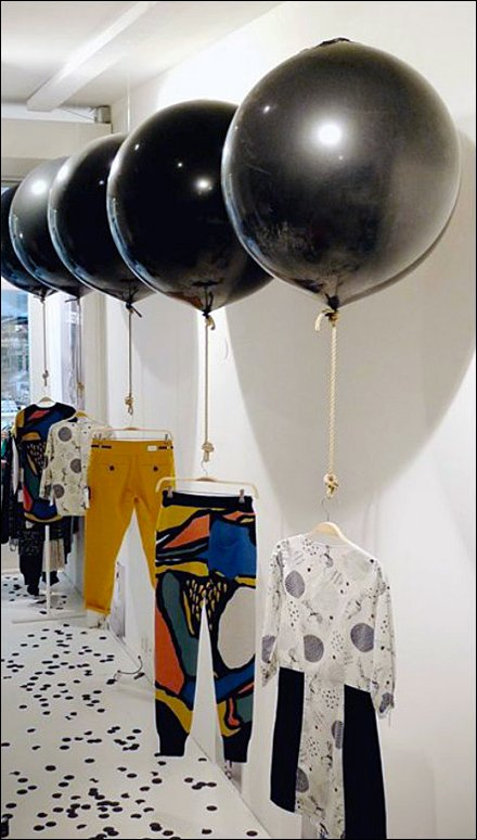 How Balloons Can Lift Merchandise Sales