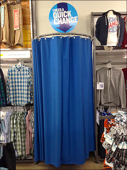 Pop-Up Fitting Room for Quick Change