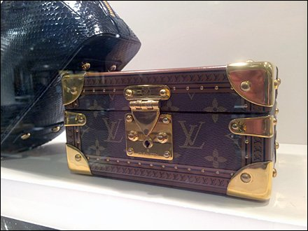 Louis Vuitton Valise in Miniature Main