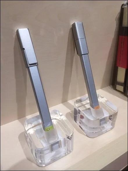 Moleskine One-Up Acrylic Pen Holder