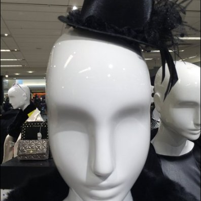 Mannequin Top Hat Main