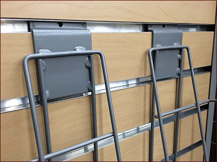 Wire Slatwall Frame Displayer 1