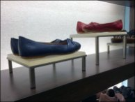 BACKLITE TABLE-LEGGED SHOE PEDESTALS 3