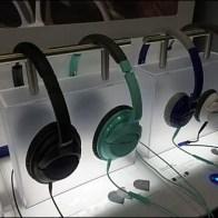 Moody Bose Headphone Display In Acrylic
