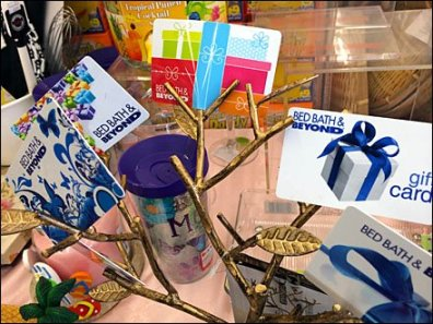 Gift Cards Grow on Trees 1