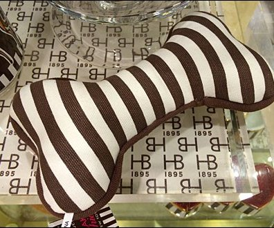 Henri Bendel Dog Treats Aux