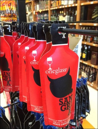 One Glass Wine Pouch Merchandising CloseUp