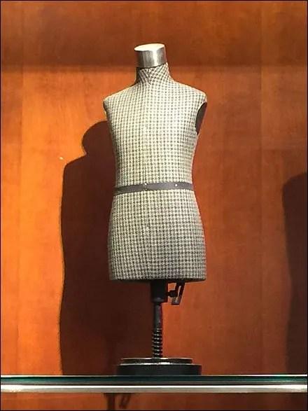 Men's Miniature Dress Form in Plaid Main