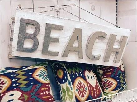 Beach on Single Prong Display Hook Main