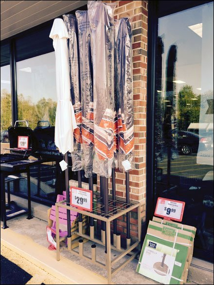 Outdoor Beach Umbrella Rack Display and Sale