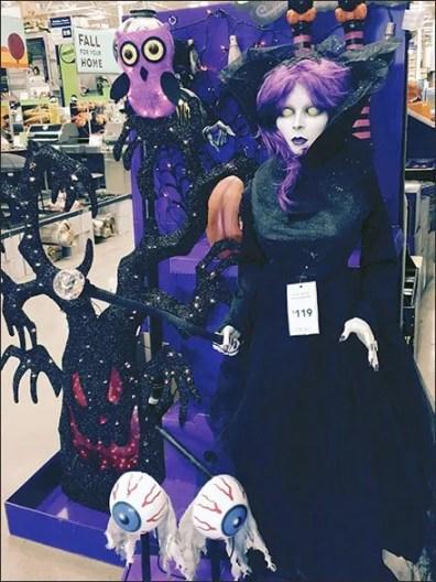 Halloween Haunted Living 2