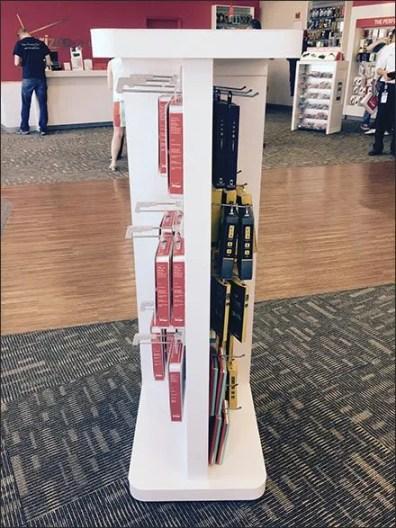 Verizon Bilateral Symmetry Hook Display 2