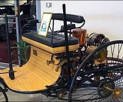 Mercedes Vintage Motor Wagon 2