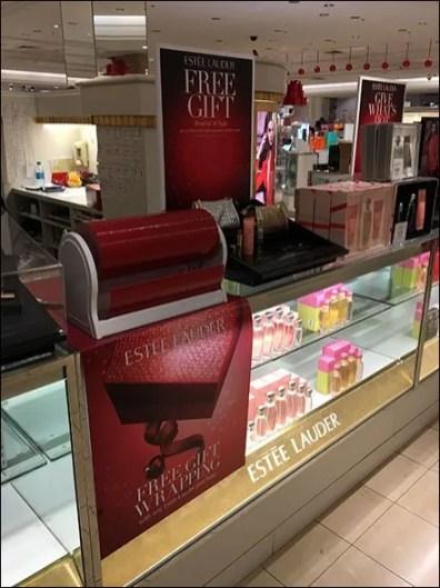Estee Lauder Gift Wrap in Red