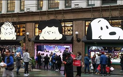 Peanuts Gang Awning Advertising at Macys® Herald Square 3