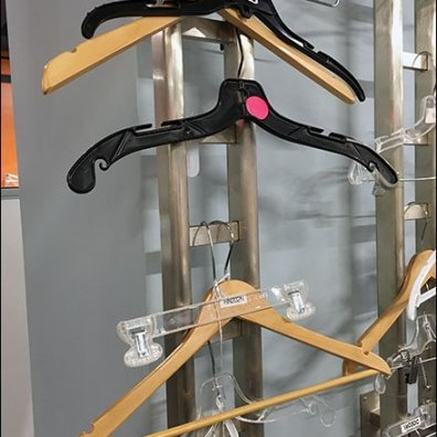 M Friied Hoe To Shop for Clothes Hangers 3