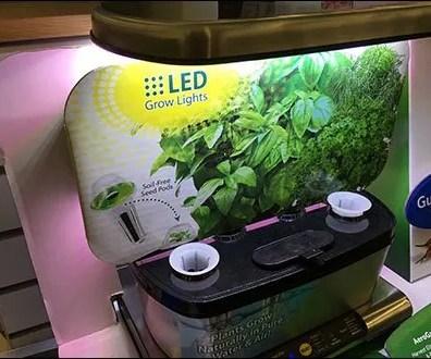 Miracle-Gro LED AeroGarden 2