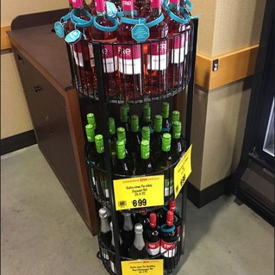 Fre White Zinfandel Circular Rack 1