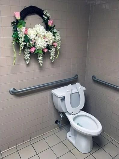 Restroom Wreath 1