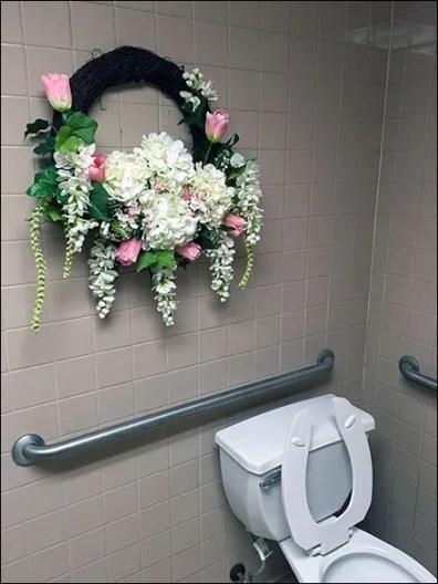 Restroom Wreath 2