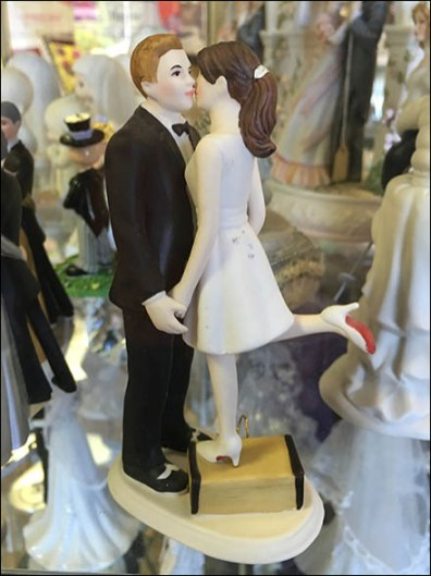 Baker Delight Porcelain Wedding Cake Toppers 1