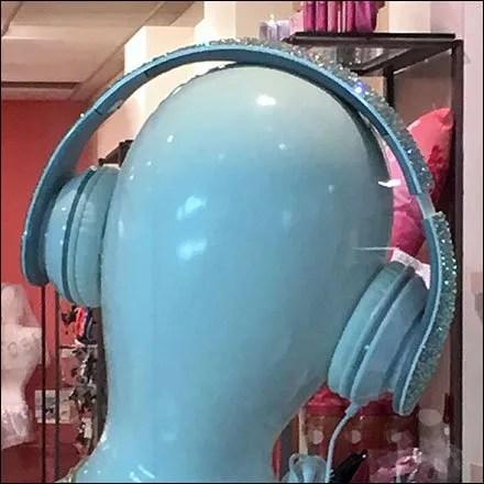 Modern Market-Niche Headphone Mannequins