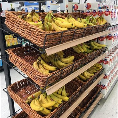 bananas-merchandised-en-masse-via-wicker-basket-2