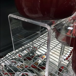 cookware-acylic-flyover-pedestal-2